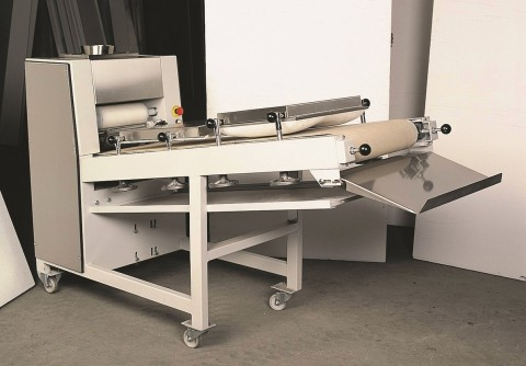 The dough rolling machine LM 3000