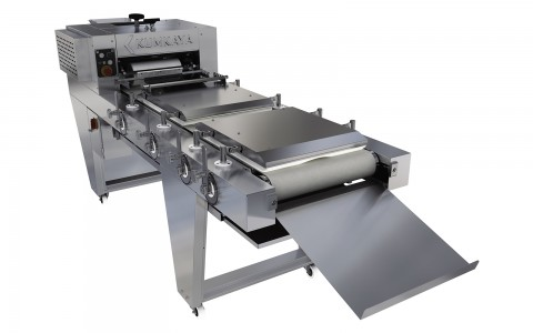 The dough rolling machine LM 3201